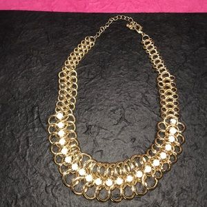 Pretty chain necklace with white stones